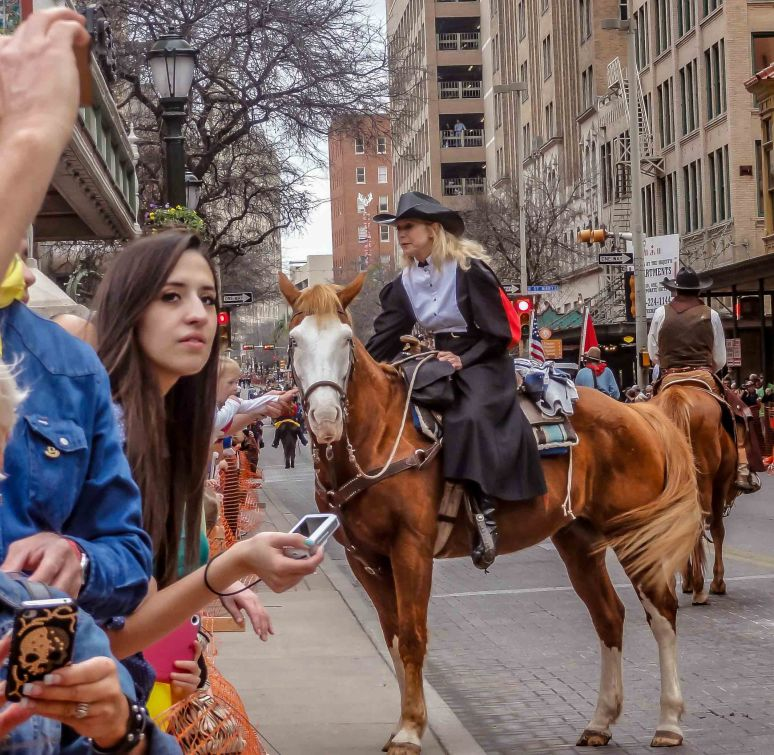 cowgirls parade-11