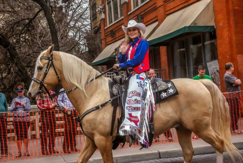 cowgirls parade-3