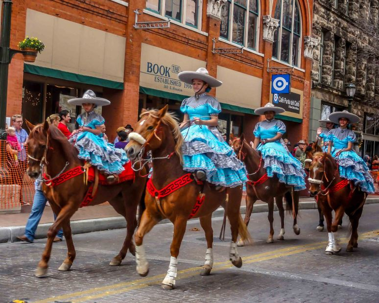 cowgirls parade-5